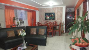 Apartamento En Venta En Maracaibo, Avenida Goajira, Venezuela, VE RAH: 16-5168