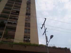 Apartamento En Venta En Valencia, Avenida Lara, Venezuela, VE RAH: 16-5559
