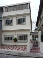 Apartamento En Venta En Caracas, Los Chorros, Venezuela, VE RAH: 16-5236