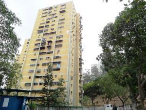 Apartamento En Venta En Caracas, Caricuao, Venezuela, VE RAH: 16-5234