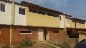 Casa En Venta En Guatire, Guatire, Venezuela, VE RAH: 16-5248