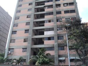 Apartamento En Venta En La Guaira, El Puerto, Venezuela, VE RAH: 16-5253