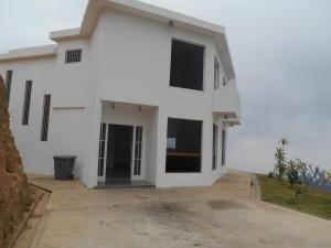 Casa En Venta En San Antonio De Los Altos, Colinas De Pasatiempo, Venezuela, VE RAH: 16-6021