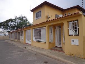Casa En Venta En Palo Negro, Las Esmeraldas, Venezuela, VE RAH: 16-5273