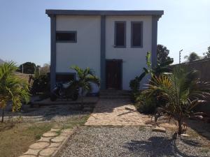 Casa En Venta En Municipio Antolin Del Campo Paraguachi, Playa El Agua, Venezuela, VE RAH: 16-5690