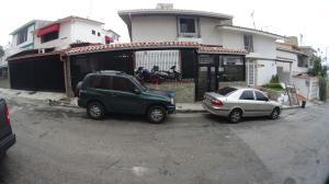 Casa En Venta En Caracas, Colinas De Bello Monte, Venezuela, VE RAH: 15-3502