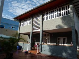 Casa En Venta En Maracay, El Limon, Venezuela, VE RAH: 16-5279