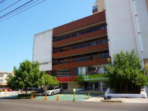 Local Comercial En Venta En Maracaibo, Calle 72, Venezuela, VE RAH: 16-5293