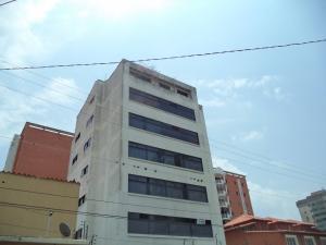 Apartamento En Venta En Barquisimeto, Parroquia Catedral, Venezuela, VE RAH: 16-5379