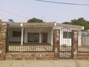 Casa En Venta En Ciudad Ojeda, Barrio Libertad, Venezuela, VE RAH: 16-5366