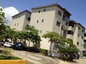 Apartamento En Ventaen Higuerote, La Costanera, Venezuela, VE RAH: 16-5408
