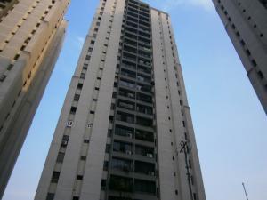 Apartamento En Venta En Caracas, El Cigarral, Venezuela, VE RAH: 16-5478