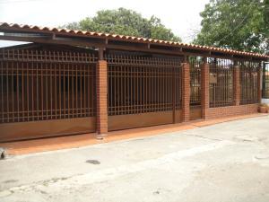 Casa En Venta En Cabudare, El Recreo, Venezuela, VE RAH: 16-5472