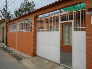 Casa En Venta En Municipio Naguanagua, Caprenco, Venezuela, VE RAH: 16-5496
