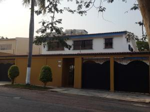 Casa En Venta En Valencia, La Viña, Venezuela, VE RAH: 16-5528
