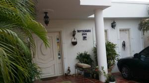 Casa En Venta En Cabimas, Cumana, Venezuela, VE RAH: 16-5534