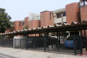 Apartamento En Venta En Maracaibo, Juana De Avila, Venezuela, VE RAH: 16-5535