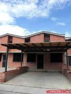 Casa En Venta En Guarenas, Ciudad Casarapa, Venezuela, VE RAH: 16-5552