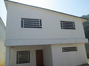 Casa En Venta En El Junquito-Vargas, El Junko Country Club, Venezuela, VE RAH: 16-5791