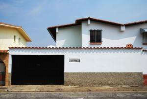 Casa En Venta En Caracas, Alto Prado, Venezuela, VE RAH: 16-5730