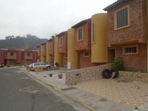 Townhouse En Venta En Municipio Naguanagua, Barbula, Venezuela, VE RAH: 16-5738