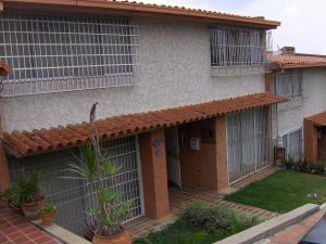 Townhouse En Venta En Caracas, El Hatillo, Venezuela, VE RAH: 16-5762
