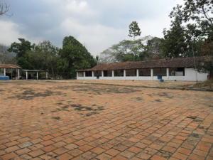Terreno En Ventaen Municipio Bejuma, Canoabo, Venezuela, VE RAH: 16-5785
