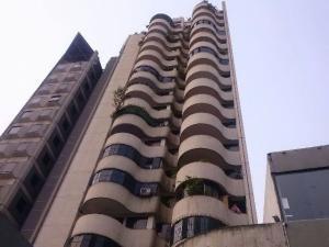 Apartamento En Venta En Caracas, El Recreo, Venezuela, VE RAH: 16-5792