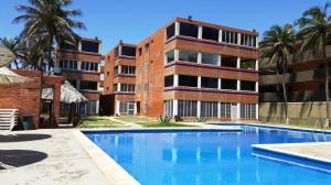 Apartamento En Venta En Boca De Aroa, Boca De Aroa, Venezuela, VE RAH: 16-5811