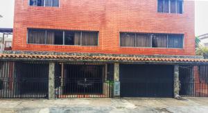 Apartamento En Venta En Valencia, Prebo I, Venezuela, VE RAH: 16-5855