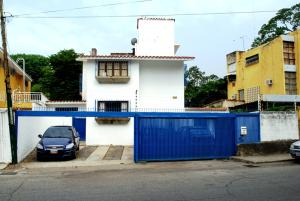 Casa En Venta En Caracas, Los Palos Grandes, Venezuela, VE RAH: 16-5866