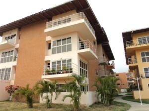 Apartamento En Ventaen Guatire, Valle Arriba, Venezuela, VE RAH: 16-5869