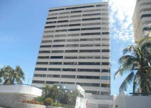 Apartamento En Venta En Margarita, Bella Vista, Venezuela, VE RAH: 16-5911