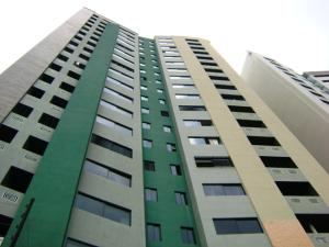 Apartamento En Venta En Valencia, Valles De Camoruco, Venezuela, VE RAH: 16-6113