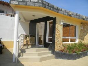 Edificio En Venta En Punto Fijo, Puerta Maraven, Venezuela, VE RAH: 16-5926