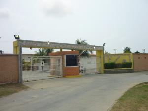 Casa En Venta En Tucacas, Tucacas, Venezuela, VE RAH: 16-5938