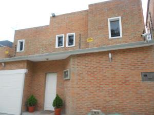Casa En Venta En Caracas, Los Guayabitos, Venezuela, VE RAH: 16-5976