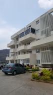 Apartamento En Venta En Caracas, Bosques De La Lagunita, Venezuela, VE RAH: 16-6945
