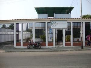 Consultorio Medico  En Alquiler En Cabudare, Parroquia Cabudare, Venezuela, VE RAH: 16-5995