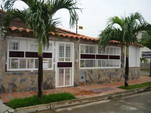 Casa En Venta En Guacara, Ciudad Alianza, Venezuela, VE RAH: 16-6038