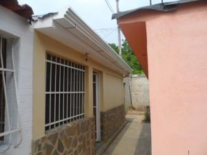 Casa En Venta En Cagua, Prados De La Encrucijada, Venezuela, VE RAH: 16-6037
