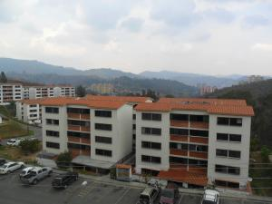 Apartamento En Venta En Los Teques, Parque Residencial La Quinta, Venezuela, VE RAH: 16-6122
