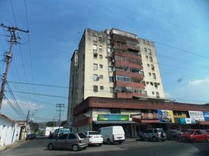 Apartamento En Venta En Municipio Naguanagua, Casco Central, Venezuela, VE RAH: 16-6128