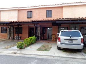 Townhouse En Venta En Municipio Naguanagua, El Rincon, Venezuela, VE RAH: 16-8133