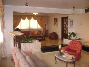 Apartamento En Venta En Maracaibo, Avenida Universidad, Venezuela, VE RAH: 16-6167