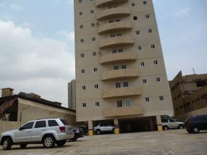 Apartamento En Venta En Maracaibo, Valle Frio, Venezuela, VE RAH: 16-6428