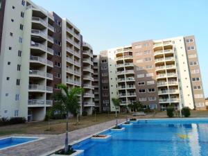 Apartamento En Venta En Margarita, Costa Azul, Venezuela, VE RAH: 16-6235