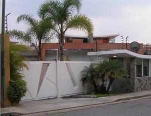 Casa En Venta En Caracas, Alto Hatillo, Venezuela, VE RAH: 16-6287