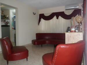 Apartamento En Venta En Punto Fijo, Santa Irene, Venezuela, VE RAH: 16-6303