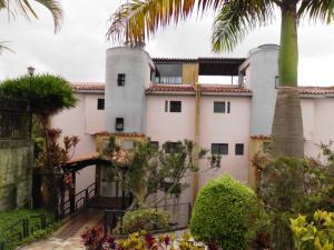 Apartamento En Venta En Caracas, Lomas De Monte Claro, Venezuela, VE RAH: 16-6320